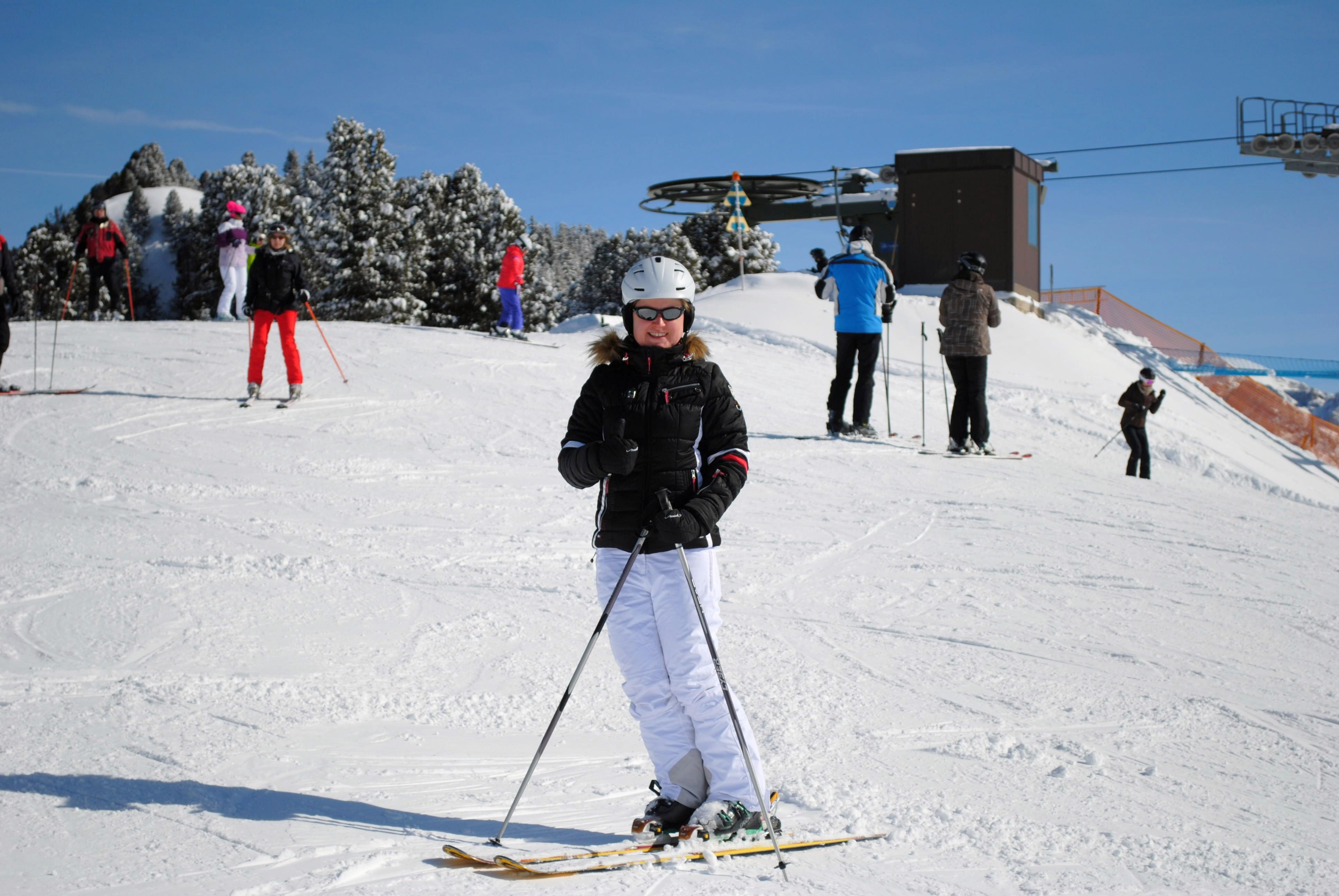 Lara beim Skifahren